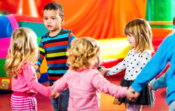 Rozwijanki – dobry pomysł na zajęcia adaptacyjne dla przyszłych przedszkolaków