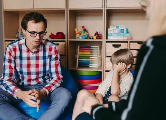 Terapia psychologiczna dla dzieci i młodzieży – jak wygląda?