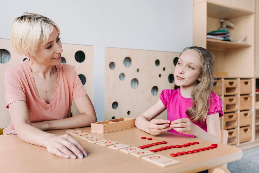 Terapia pedagogiczna dzieci i młodzieży – na czym polega?