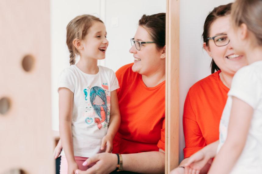 Terapia logopedyczna dla dzieci – kiedy zacząć i co właściwie daje?