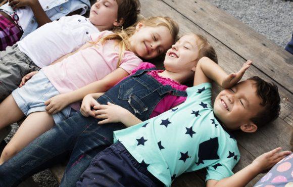 Trening umiejętności społecznych dla dzieci – na czym polega?