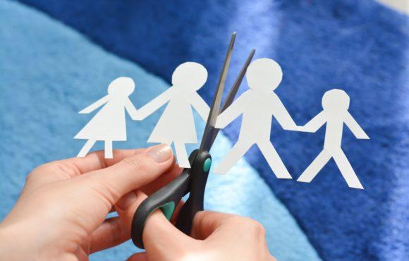 Rozwód rodziców – czy i kiedy szukać pomocy psychologicznej dla dzieci?