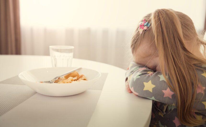 Mały niejadek – co robić, żeby zachęcić dziecko do jedzenia?